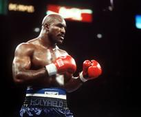 Holyfield, Barrera lead Boxing Hall of Fame class of 2017