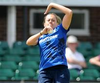 Laura Marsh claims 100th ODI wicket in comfortable win for England Women