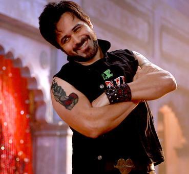 Like Emraan Hashmi's look in Baadshaho? VOTE!