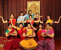 SADGURU SRI THYAGABRAHMA ARADHANA KAINKARYA TRUST, BANGALORE (SSTAK TRUST) Presents BHADRACHALA RAMADASU CHARITRAMU