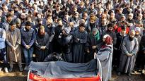 Man dies in crossfire, protests rock Valley