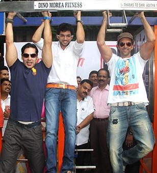 'Shiv Sena tiger is now a circus tiger'