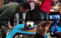 SEE PICS: Ranbir Kapoor rings in his 34th birthday on the sets of Jagga Jasoos