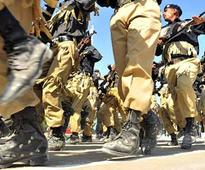 Gangsters in Pakistan kill 7 policemen, takes 22 people hostage
