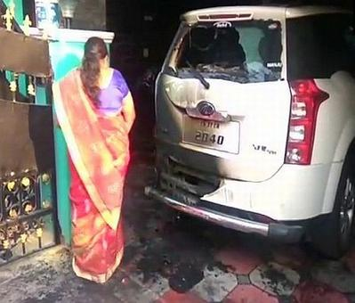 Petrol bomb hurled at BJP leader's car in TN day after Periyar decapitation