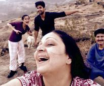 Rati Agnihotri breaks free of traumatic marriage, celebrates anniversary with family