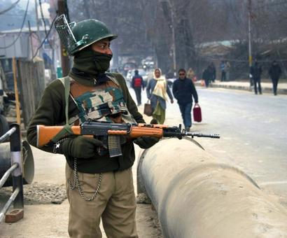 Woman suicide bomber might strike on R-Day in Kashmir: Intel inputs