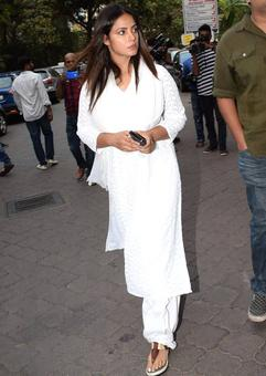 Neetu Chandra, Kay Kay at Raees actor's prayer meet