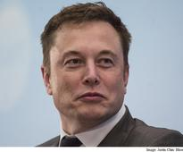 Musk, in His On-Site Sleeping Bag, Keeps Tesla Manufacturing on Track