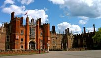 Protestants Protest Catholic-Anglican Service at Hampton Court