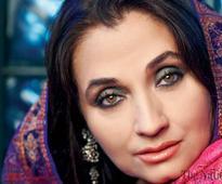 Salma Agha applies for OCI card