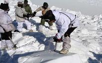 Seeking Only Bodies on Indian Glacier, Soldiers Find Survivor