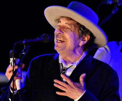 Bob Dylan to receive Nobel prize in Stockholm at weekend