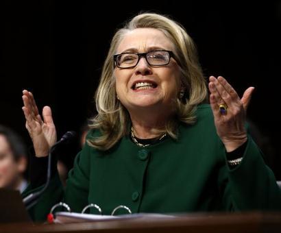 Email nightmare returns to haunt Hillary