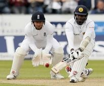 Mathews leads from the front as Sri Lanka frustrate England