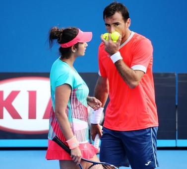 Paes-Hingis, Sania-Dodig make winning start in French Open