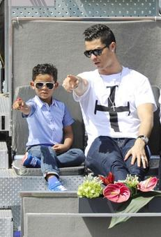 Cristiano Ronaldo has 'fathered twins with surrogate mum'