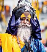 This photographer documents his 18-year-old effort to capture Punjabi festival Hola Mohalla