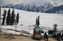 Beautiful Gulmarg Attracting Tourists