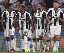 Serie A roundup: Juventus maintain perfect start, Napoli beat nine-man AC Milan