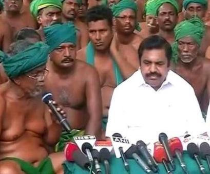 Tamil Nadu CM Palaniswami meets protesting farmers in Delhi