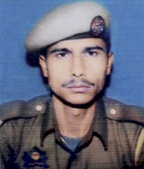 Tral: Slain constable had volunteered for op that claimed life