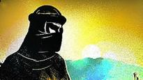 Police looking for suspicious paragliders near Mumbai coast