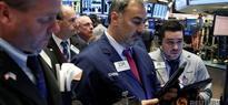 US stocks edge higher on rosy data