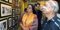 Shabhana Azmi visits photo exhibition