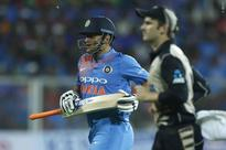 Dhoni should be left to decide his future