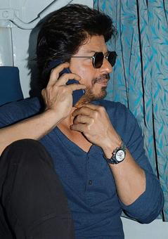 Was it really necessary for Shah Rukh Khan to take a train trip?