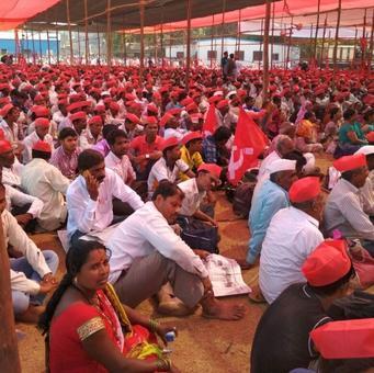 PHOTOS: Protesting farmers turn Mumbai's Azad Maidan red