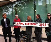 Oxford Students 'close' Shell Laboratory in Fossil Free protest