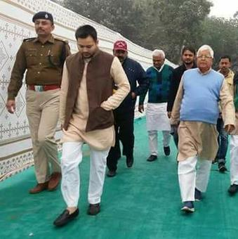 CBI summons Lalu, Tejashwi in 'hotels-for-land scam'