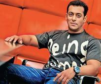 Team Race 3`s special gift to Super Star Salman Khan!
