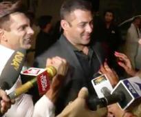 VIDEO: Watch Karan's reaction when Bipasha invites Salman Khan for her honeymoon