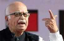 Sulking Advani cites ill-health, postpones meeting with RSS chief till tomorrow