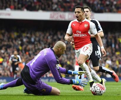 EPL: Arsenal, City keep up pressure in title race, Chelsea wins