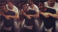Watch: This is how Varun Dhawan roams around on the set of 'Badrinath Ki Dulhania'