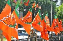 3 MNS leaders join BJP in civic election run-up