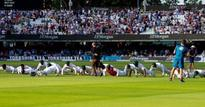 Pak celebrates win over Eng at Lords