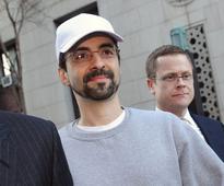 Goldman's Army of VPs Draws Scrutiny in Aleynikov Fee Fight