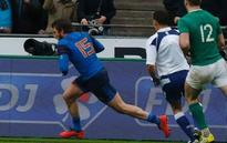 Medard scores late try as brave France beats Ireland 10-9