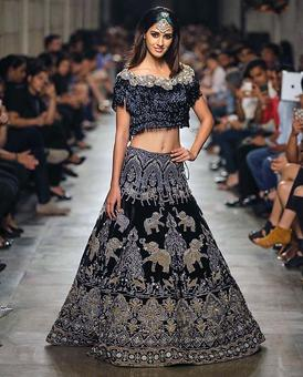 India Couture Week 2017: Disha Patani casts her spell on the runway