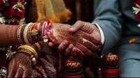 See pics: UP cops marry off couple whose parents opposed marriage