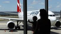 Qantas flight delayed, hundreds of passengers...