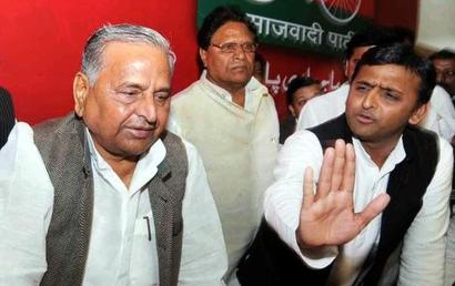 Fresh strains in SP, Mulayam dumps Akhilesh loyalist