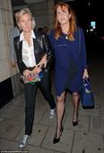 Beatrice and Eugenie leave a touching note in Sarah Ferguson's