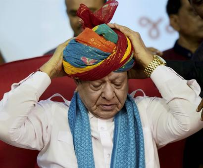 Vaghela quits Congress, says no plan to join BJP