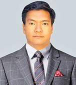 Khandu pitches for tourism development